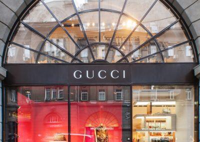 Gucci-Helen-Marlen-Group-Fantastic-Imago-fotosemka-foto-fotografiya-interyer-eksteryer-magazin-odezhdy-obuv-zakazat-Kiev-tsena-stoimost-predmetnaya-vitrina-butik-luxury-sumki-6