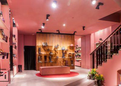 Helen-Marlen-Group-Fantastic-Imago-fotosemka-foto-fotografiya-interyer-eksteryer-magazin-odezhdy-obuv-zakazat-Kiev-tsena-stoimost-predmetnaya-vitrina-butik-luxury-sumki-12