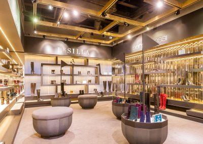 Mandarin-Helen-Marlen-Fantastic-Imago-fotosemka-foto-fotografiya-interyer-eksteryer-magazin-odezhdy-obuv-zakazat-Kiev-tsena-stoimost-predmetnaya-vitrina-butik-luxury-sumki-35